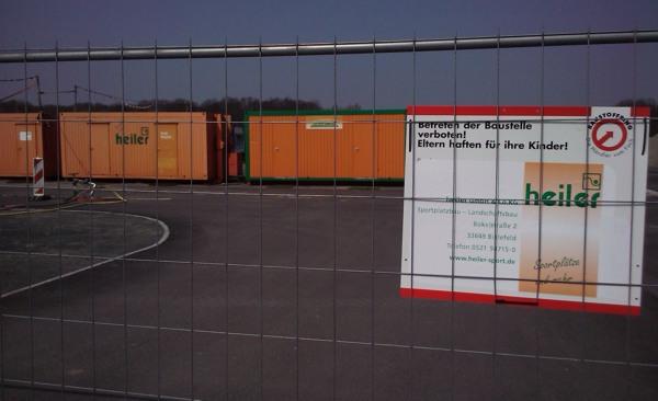 RasenBallsport: Firma Heiler baut am Cottaweg