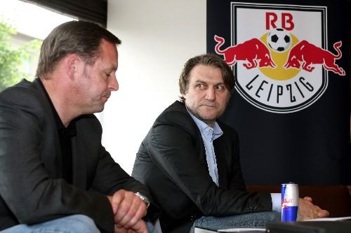 Ex Dietmar Beiersdorfer neben Ex Hans-Georg Felder, noch zu Zeiten als Beiersdorfer den Allmächtigen darstellte - © GEPA pictures/ Sven Sonntag
