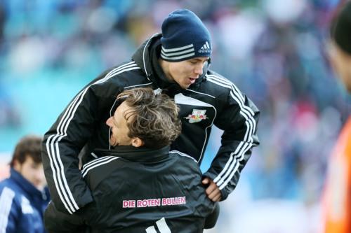A new Torschütze is born - Der Mann des Spiels Clemens Fandrich jubelt zusammen mit Tim Lobinger über das 1:0 gegen den BAK | © GEPA Pictures - Roger Petzsche