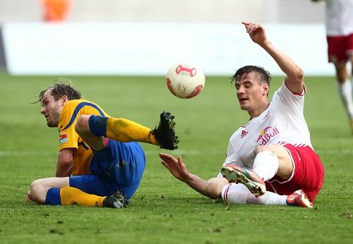 In allen Fußballlagen bis in die Haarspitzen motiviert - Stefan Kutschke in seiner Lieblingskampfrolle | GEPA-Pictures - Sven Sonntag