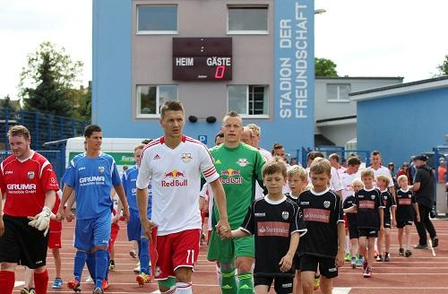 Testspiele zum Start der Vorbereitung in Grimma haben bei RB Leipzig bereits Tradition. | GEPA Pictures - Roger Petzsche