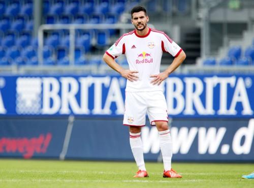 Steht Anthony Jung demnächst wieder bei RB Leipzig im Training? | GEPA Pictures - Roger Petzsche