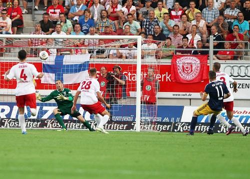 Der Beginn einer guten bis sehr guten Saison - Daniel Frahn erzielt für RB Leipzig das erste Drittligator und sichert drei Punkte beim HFC | GEPA Pictures - Kerstin Kummer