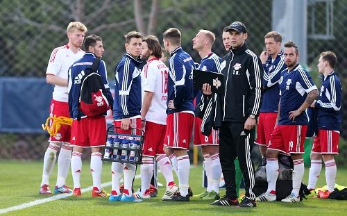 Allgemeine Schockstarre - RB Leipzig nach der schweren Verletzung von Christian Müller | GEPA Pictures - Roger Petzsche