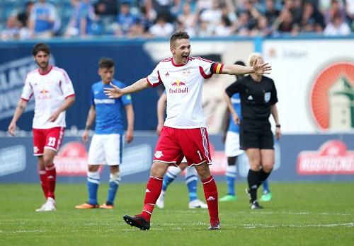 Mein Tor, unser Aufstieg? - Daniel Frahn, Torschütze des entscheidenden 1:0 für RB Leipzig bei Hansa Rostock | GEPA Pictures - Roger Petzsche