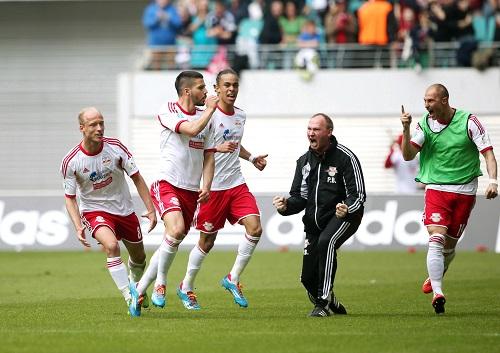 Yes, der vielleicht entscheidende Schritt zum Aufstieg in die zweite Liga - Anthony Jung nach dem 1:0-Siegtreffer für RB Leipzig gegen den SV Darmstadt 98 | GEPA Pictures - Roger Petzsche