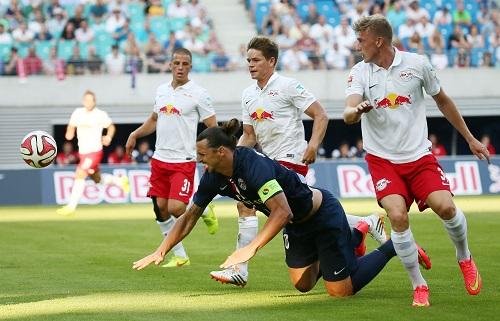 Ein paar gute Aktionen, ein paar Mal Abseits, ansonsten wenig Bewegungsradius - Für Zlatan Ibrahimovic war in Leipzig wenig zu holen | GEPA Pictures - Kerstin Kummer