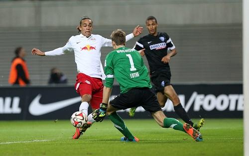 Trotz aller Probleme weiter der überragende Stürmer bei RB Leipzig - Yussuf Poulsen ist auch n der zweiten Liga überragend | GEPA Pictures - Roger Petzsche
