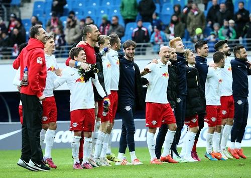 Mal wieder Grund zur Freude - RB Leipzig feiert das 3:2 gegen Union Berlin   GEPA Pictures - Kerstin Kummer