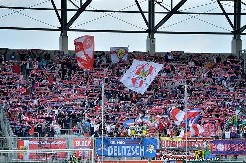 Wenigstens ein Highlight an einem gebrauchten Tag - Der Auswärtssupport der Fans von RB Leipzig beim letzten Spiel in Ingolstadt | GEPA Pictures - Florian Ertl