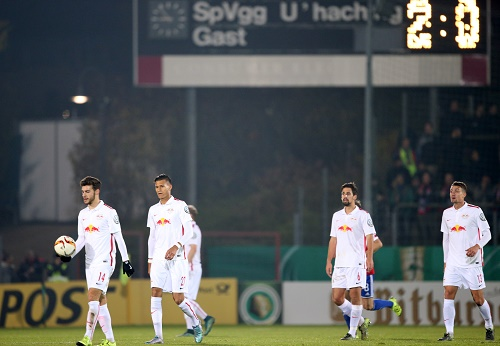 DerTiefpunkt in der RB-Pokalgeschichte. RB Leipzig verliert bei der SpVgg Unterhaching mit 0:3 | GEPA Pictures - Roger Petzsche