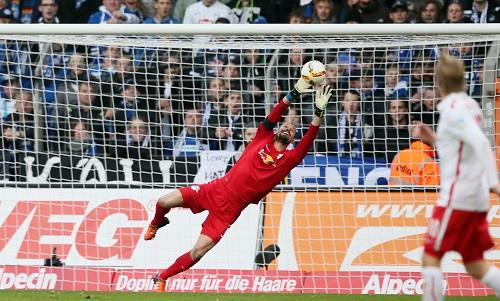 Auch im vierten Jahr bei RB Leipzig ein sicherer Rückhalt - Fabio Coltorti bleibt die Nummer 1 | GEPA Pictures - Roger Petzsche