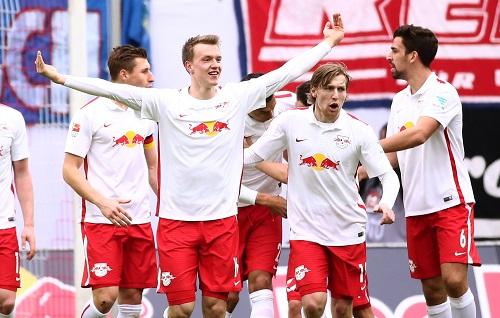 Matchwinner gegen den TSV 1860 München - Lukas Klostermann feiert sein erstes Saisontor, das wichtige 2:1 gegen den TSV 1860 München | GEPA Pictures - Kerstin Kummer
