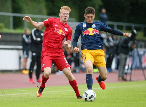 Zsolt Kalmár lässt sich jetzt in Dänemark vom Ball trennen. | GEPA Pictures - Roger Petzsche.