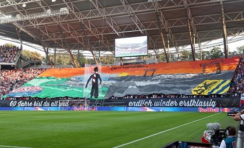 Choreo zum ersten Bundesligaheimspiel zu 60 Jahren Zentralstadion. | GEPA Pictures - Sven Sonntag