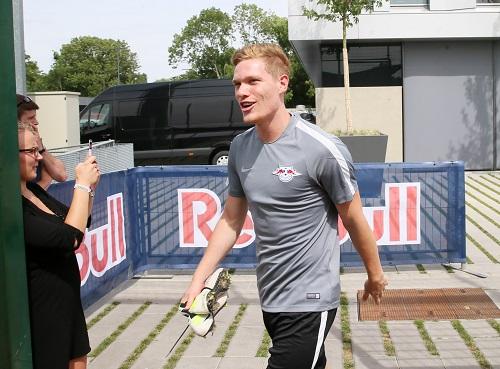 Marcel Halstenberg ist trotz Kreuzbandriss frohen Mutes und will zur nächsten Saison wieder voll angreifen. | GEPA Pictures - Roger Petzsche.