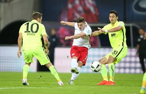 Mal wieder an den RB-Toren direkt beteiligt und auch ansonsten extrem auffällig: Marcel Sabitzer. | GEPA Pictures - Roger Petzsche.
