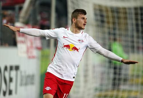 Timo Werner veredelt das perfekte Spiel seiner Nebenleute beim SC Freiburg mit zwei Toren. | GEPA Pictures - Roger Petzsche.