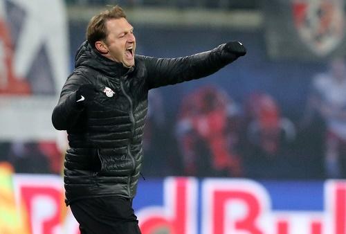 Hochgradig emotionaler Sieg. Sieht auch Ralph Hasenhüttl so. | GEPA Pictures - Sven Sonntag