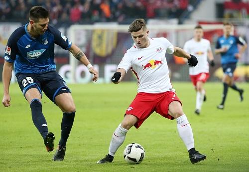 Starkes Spiel gegen starken Gegner. Marcel Sabitzer schießt gegen Hoffenheim für RB Leipzig den Siegtreffer zum 2:1. | GEPA Pictures - Roger Petzsche