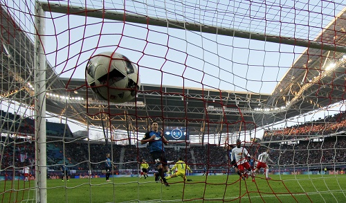 Wenn der Ball dann wieder mal im Netz zappelt. RB Leipzig mit einem 2:1-Arbeitssieg gegen die TSG Hoffenheim. | GEPA Pictures - Roger Petzsche.
