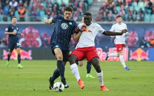 Sehr gutes Spiel und entscheidendes Tor von Mario Gomez mit dem VfL Wolfsburg bei RB Leipzig. | GEPA Pictures - Roger Petzsche