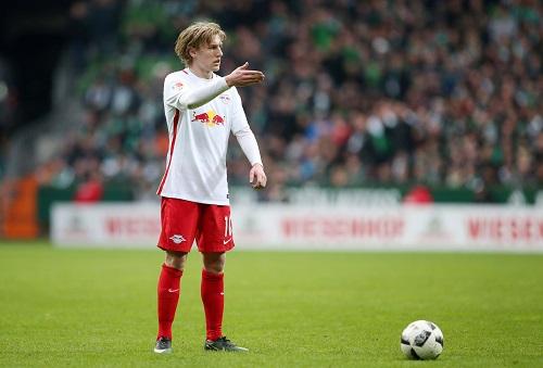 Auch Emil Forsberg machte in Bremen spätestens in Hälfte 2 einen eher ratlosen Eindruck. | GEPA Pictures - Roger Petzsche
