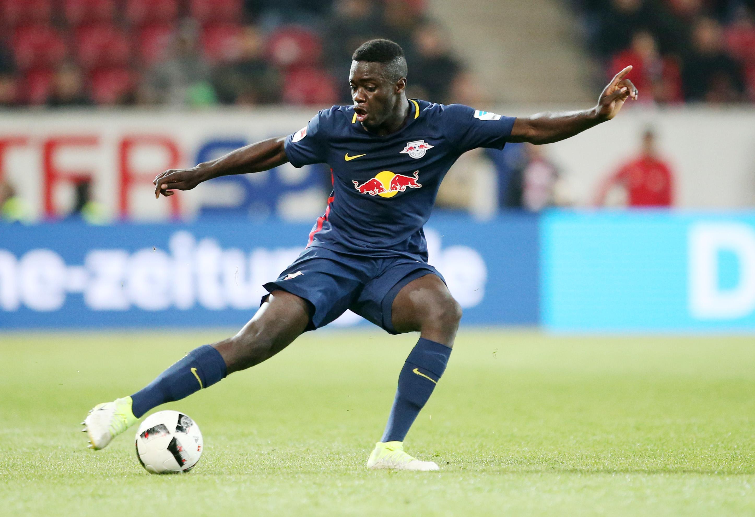 Dayot Upamecano überzeugt bei RB Leipzig und bei Scouts internationale Topclubs. | GEPA Pictures - Roger Petzsche