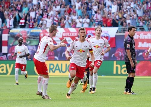 Sehr gutes Spiel, nach der Pause auch die passenden Tore. RB Leipzig gewinnt 2:1 gegen Freiburg. | GEPA Pictures - Roger Petzsche