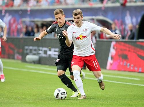 Beim letzten Aufeinandertreffen liefen die Bayern den RasenBallsportlern lange nur hinterher. | GEPA Pictures - Sven Sonntag