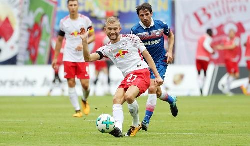 Konrad Laimer war der einzige Neuzugang bei RB Leipzig, der gegen Stoke City in der Startelf stand. | GEPA Pictures - Sven Sonntag