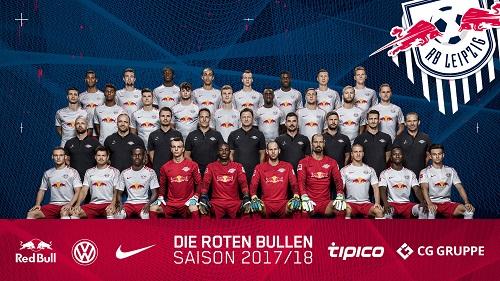 Mannschaftsfoto von RB Leipzig in der Saison 2017/2018 mit jetzt schon historischem Wert. | GEPA Pictures