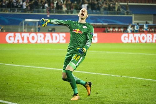 Peter Gulacsi ist sich der Nummer 1 von RB Leipzig offenbar sehr sicher. | Foto: Dirk Hofmeister