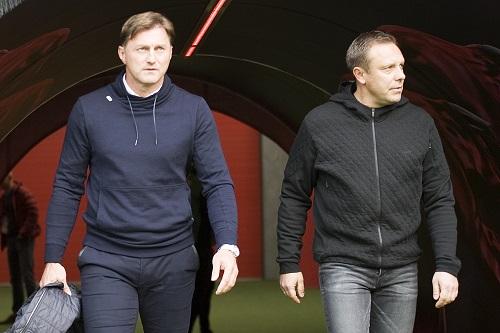 Ralph Hasenhüttl und André Breitenreiter vor dem Spiel zwischen RB Leipzig und Hannover 96. | Foto: Dirk Hofmeister