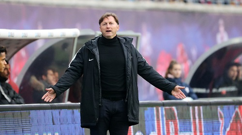 Es macht sich ein bisschen Ratlosigkeit breit bei RB Leipzig. | GEPA Pictures - Sven Sonntag