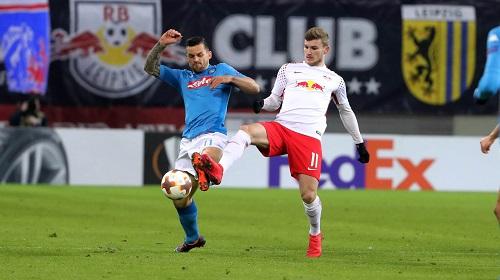 Harter Kampf zwischen RB Leipzig und dem SSC Neapel, bei dem die Gäste oft einen Schritt schneller waren, aber am Ende doch auschieden.   GEPA Pictures - Sven Sonntag