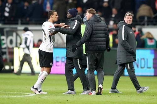 Viel Aufregung beim Spiel zwischen Eintracht Frankfurt und RB Leipzig auf allen Ebenen.   GEPA Pictures - Roger Petzsche