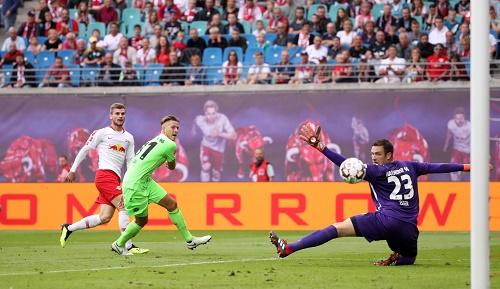 Der Moment, in dem Timo Werner seinen Torbann bricht und zum 2:1 gegen Hannover 96 trifft. | GEPA Pictures - Sven Sonntag
