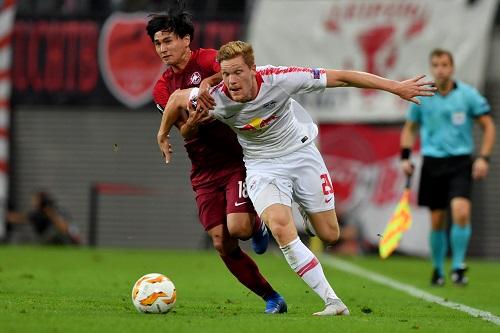Marcel Halstenberg feierte nach acht Monaten sein Comeback bei RB Leipzig und leitet hier den zwischenzeitlichen 2:2-Ausgleich ein. | GEPA Pictures - Florian Ertl