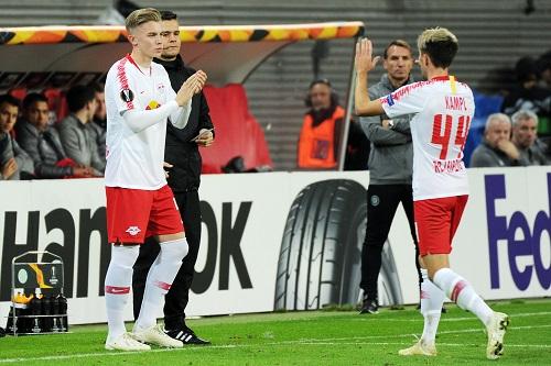 Erik Majetschak darf für reichlich zehn Minuten Europapokal-Luft schnuppern. | Foto: Dirk Hofmeister