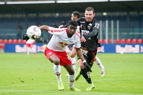 Viel Kampf, wenig Klasse beim Test zwischen RB Leipzig und dem Wolfsberger AC. | GEPA Pictures - Gabor Krieg
