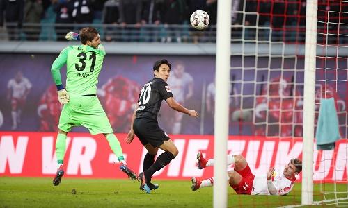 So oft es auch nach einem Tor aussah, rein wollte der Ball nicht. | GEPA Pictures - Sven Sonntag