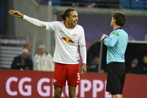 Gab ab und zu mal Diskussionsbedarf mit Schiedsrichter Guido Winkmann. | Foto: Dirk Hofmeister