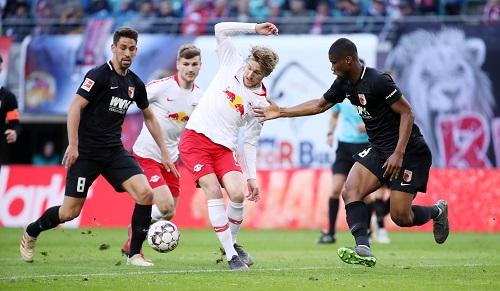 Etwas ungelenke Veranstaltung von RB Leipzig gegen den FC Augsburg. | GEPA Pictures - Sven Sonntag