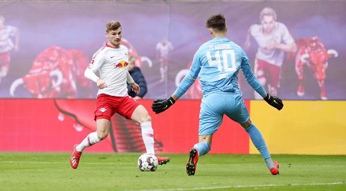 Und wieder kein Tor. Timo Werner scheiterte gegen Augsburg gleich mehrmals in aussichtsreichen Situationen. | GEPA Pictures - Sven Sonntag